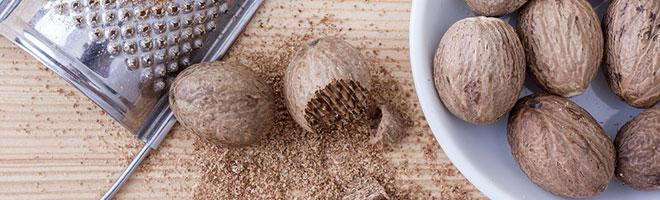 Грецкие, кедровые орехи при грудном вскармливании: какие орехи можно есть?