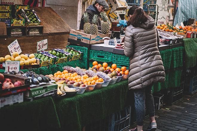 Покупайте каждый день дневную порцию семечек и вы просто не сможете съесть больше так как больше их у Вас не будет