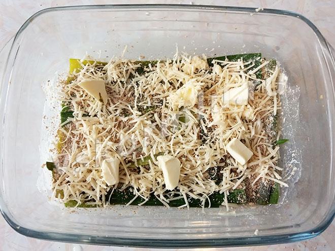 Масло нужно чтобы приготовить вкусную запеканку, оно сохранит сочность лука