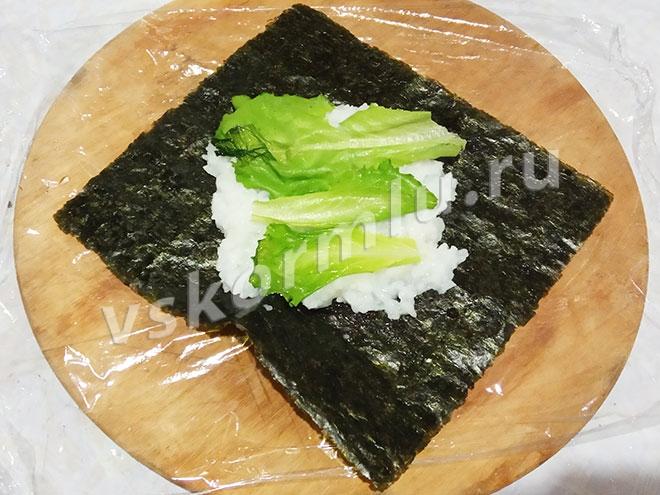 Зеленый салат богат витаминами и очень полезен при грудном вскармливании