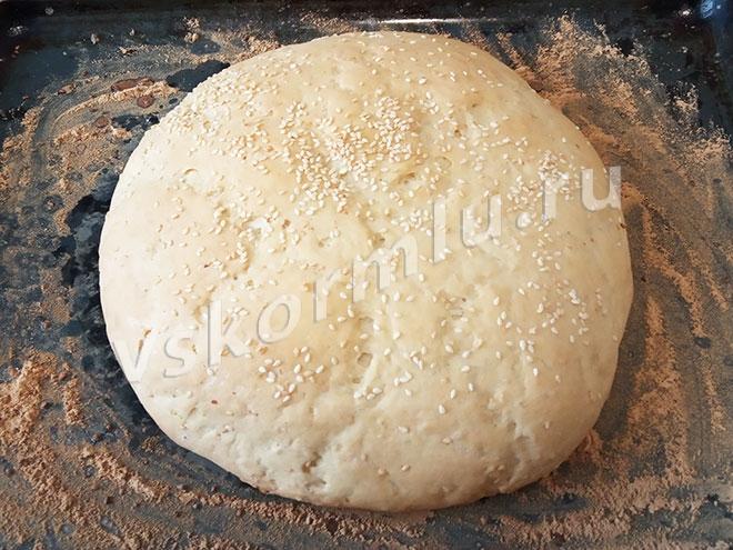 Вкусный ароматный хлеб с кунжутом для кормящей мамы готов