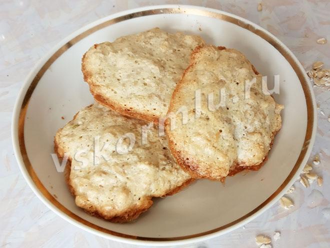 Овсяное печенье с добавлением корицы кормящей маме можно есть после того, как ребенку исполнится 3 месяца