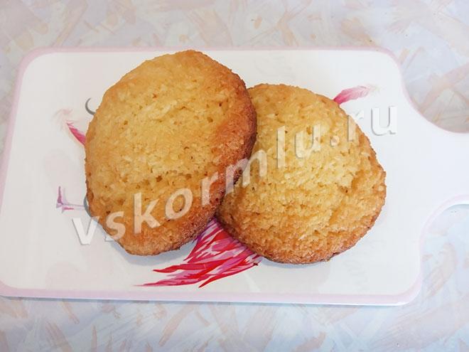 Кокосовое печенье, приготовленное дома, можно есть при ГВ через 2 месяца после родов