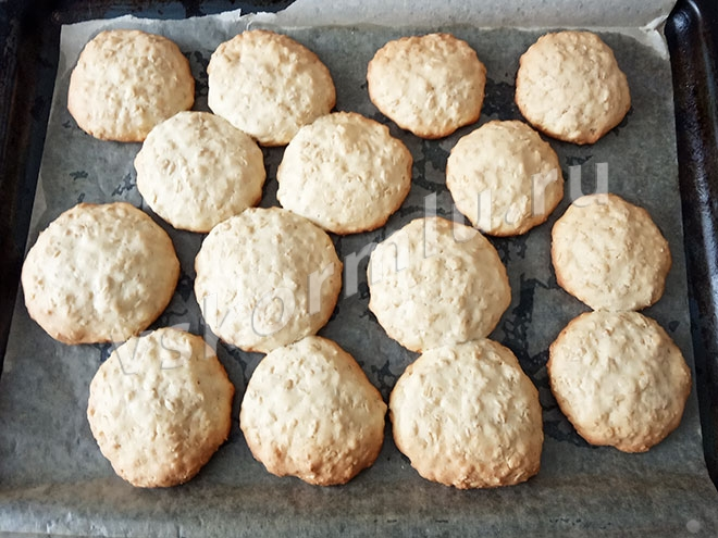Печенье овсяное просто для кормящей мамы готово