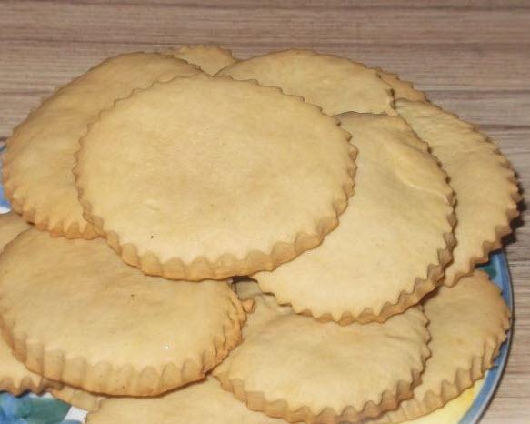 Сливочное сдобное печенье домашнего приготовления для кормящей мамы