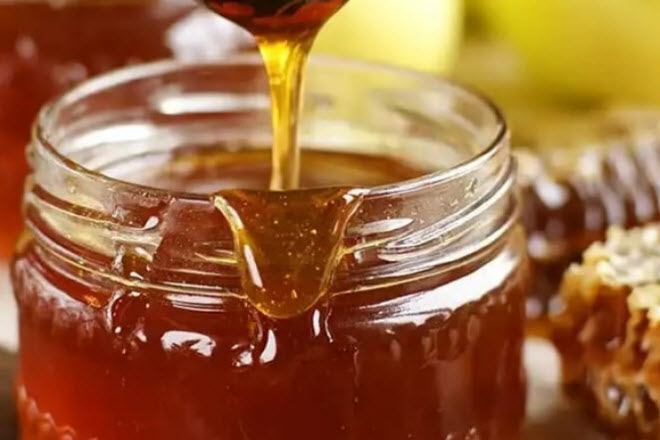 Каштановый мед не сладкий, зато хорошо помогает от простуды и для повышения сопротивляемости организма вирусам